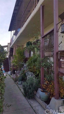 Single Family for Sale at 2626 Ave 32 W Los Angeles, California 90065 United States