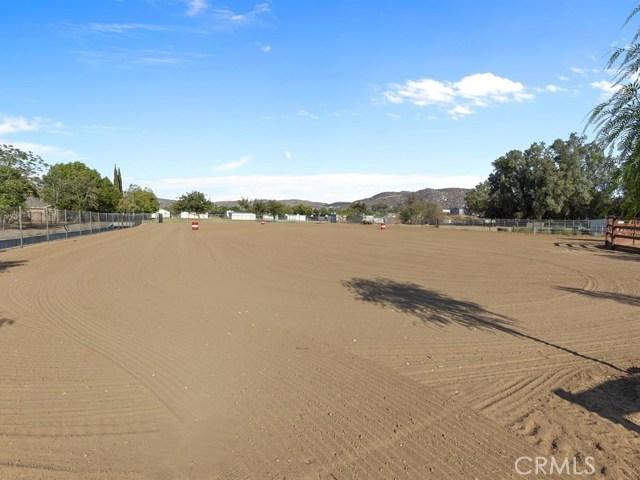 3563 Valley View Avenue, Norco CA: http://media.crmls.org/medias/cd024b88-a834-450f-acf6-a16f90252a6d.jpg