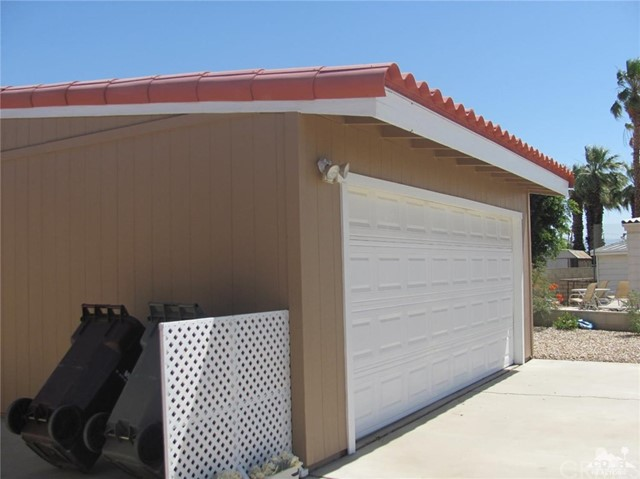38934 Desert Greens Drive, Palm Desert CA: http://media.crmls.org/medias/cd1403c3-9c9d-403c-95ad-204c3a2b6eaf.jpg