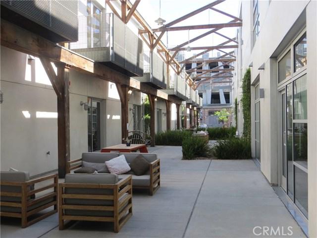 527 S Molino Street, Los Angeles CA: http://media.crmls.org/medias/cd1f1c4a-8cdf-43a8-bfa8-5bb14a7dec54.jpg