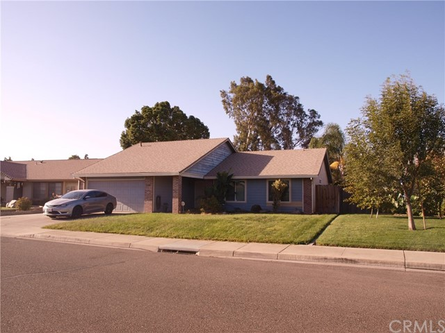 Detail Gallery Image 1 of 1 For 320 Manzanita Dr, Atwater, CA 95301 - 3 Beds | 2 Baths