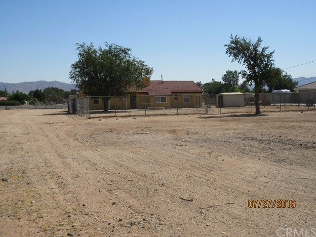 21077 US Highway 18 Apple Valley, CA 92307 - MLS #: DW17173379