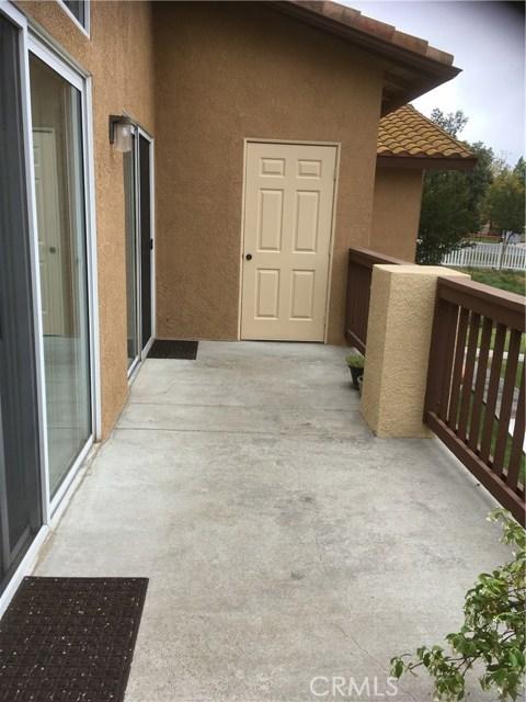 42140 Lyndie Lane, Temecula CA: http://media.crmls.org/medias/cd5b1336-7c58-47ea-8407-74ca242345d5.jpg