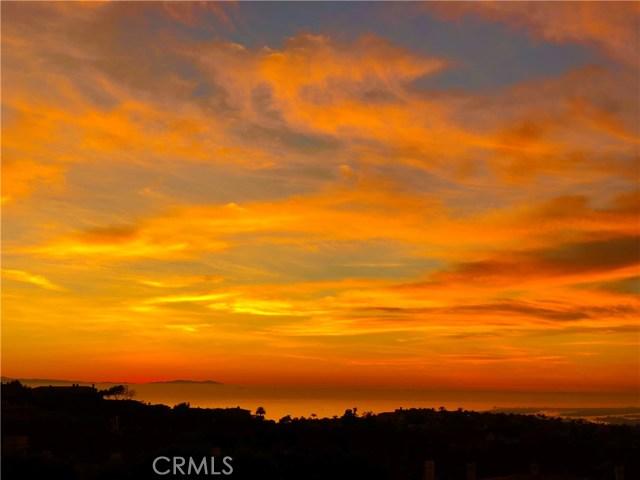 11 Vista Lesina, Newport Coast CA: http://media.crmls.org/medias/cd7dfd17-d8e2-4b85-b12e-7bce5bc7f098.jpg