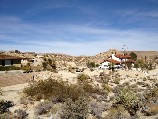 6120 Mandarin Road, Yucca Valley CA: http://media.crmls.org/medias/cd8d879a-17dc-4e48-a084-e7c027ec7b87.jpg