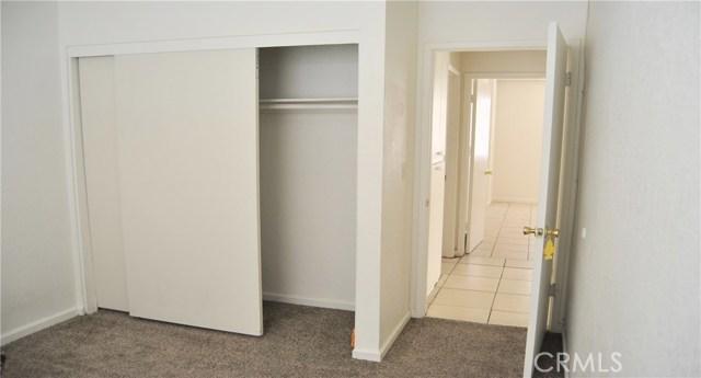 16033 Puesta Del Sol Drive, Victorville CA: http://media.crmls.org/medias/cd95d2d6-53f7-4afc-96fa-8387cda580da.jpg