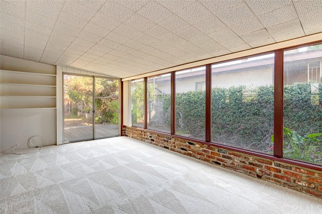 15404 S Saint Andrews Place, Gardena CA: http://media.crmls.org/medias/cd9993ac-1b91-4f99-8a5e-d226077600d2.jpg