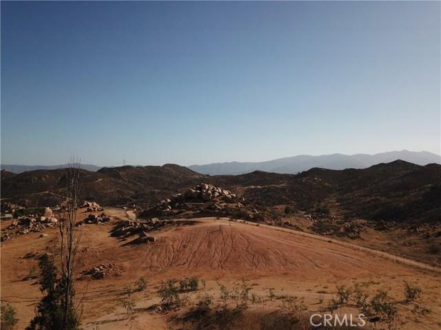 25050 El Toro Road, Perris CA: http://media.crmls.org/medias/cd9b209a-be5b-4322-b660-62861106a222.jpg