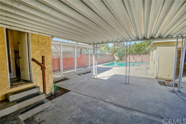 10433 Bryson Avenue, South Gate CA: http://media.crmls.org/medias/cda2c326-fc35-4912-8f42-1c067ad0963b.jpg