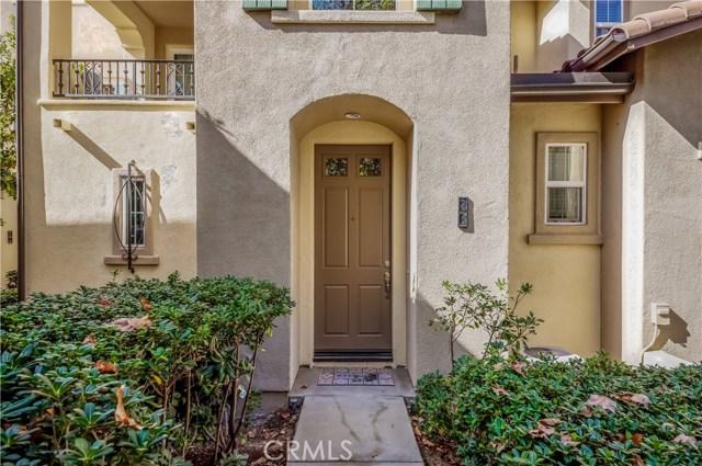 26 Dovetail, Irvine CA: http://media.crmls.org/medias/cda8a557-ae53-448a-afa1-c3498e144478.jpg