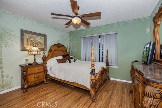 16190 Suttles Drive, Riverside CA: http://media.crmls.org/medias/cdb2603e-8554-453d-8478-eaba03a80c0f.jpg