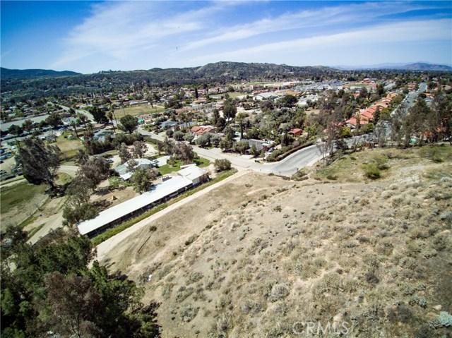 26860 Meridian Street, Hemet CA: http://media.crmls.org/medias/cdb56e25-25d2-44c6-a872-1c098565015b.jpg