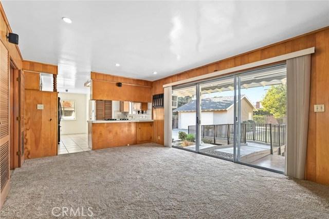 房产卖价 : $109.80万/¥755.00万