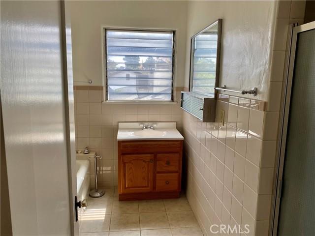 3451 Elmwood Drive, Riverside CA: http://media.crmls.org/medias/cdbcc04a-306b-4c5a-a80d-d7ffaa2cd692.jpg