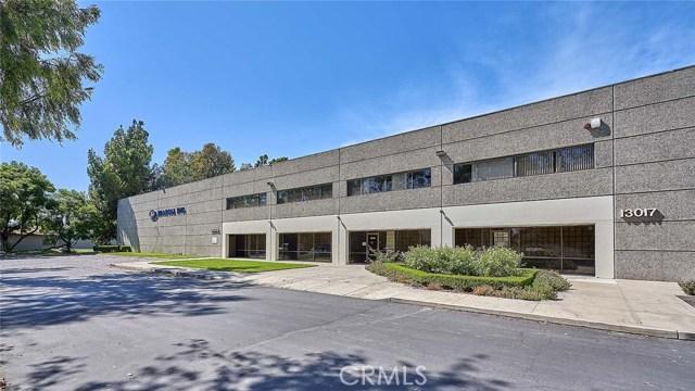 13013 166th Street, Cerritos CA: http://media.crmls.org/medias/cdbecb1e-124d-42bf-82c9-92982dd87a05.jpg