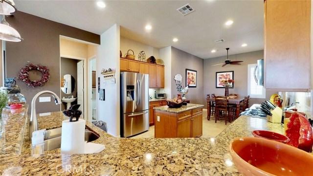 10357 Darby Road, Apple Valley CA: http://media.crmls.org/medias/cdcb3ad8-55ca-4083-a240-95d3e26dcaff.jpg