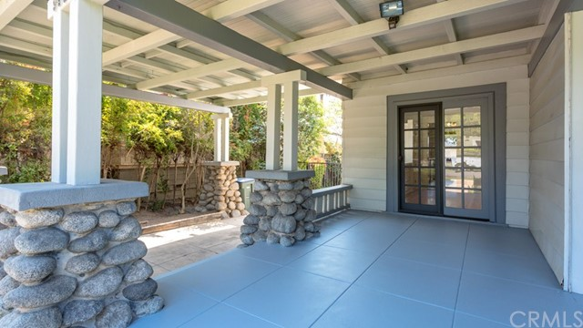 990 E Howard Street, Pasadena CA: http://media.crmls.org/medias/cdcf73fb-1f6e-4953-af02-c7f1370b3448.jpg