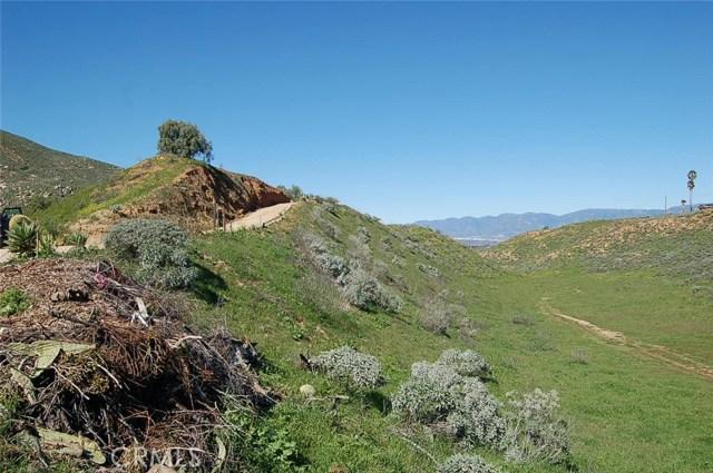0 Dark Canyon Road, Colton CA: http://media.crmls.org/medias/cddb260d-7d3e-4768-a8de-b41c8e89effa.jpg