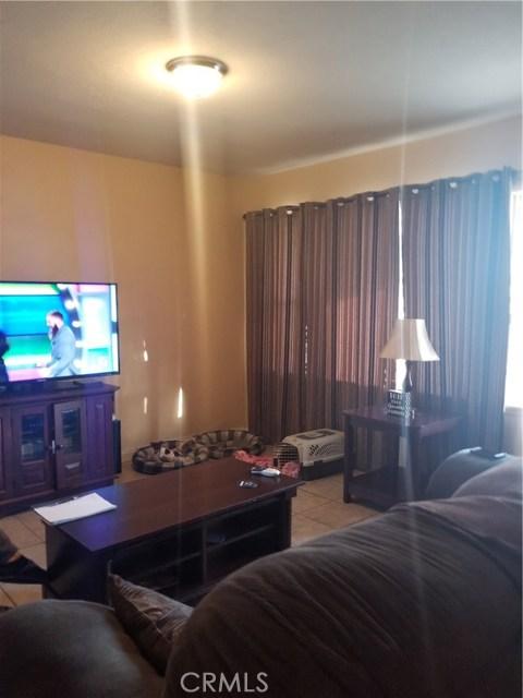 236 E 42nd Street, San Bernardino CA: http://media.crmls.org/medias/cde28708-1cb0-4d3b-9edd-8d4b99a3b18e.jpg