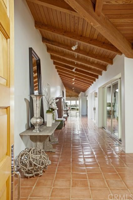 Additional photo for property listing at 415 Avocado Avenue  Corona Del Mar, California 92625 United States
