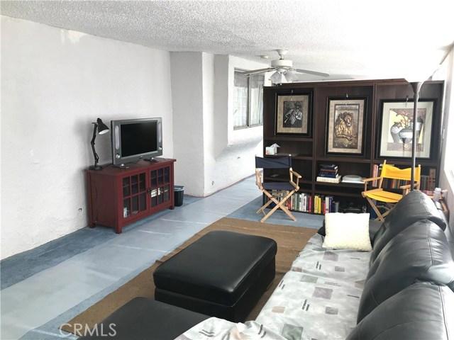 37411 Litchfield Street, Palmdale CA: http://media.crmls.org/medias/ce0474dd-9fc2-4170-9f59-895aa0c14edf.jpg
