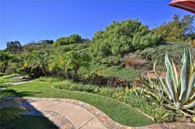 3 Nuvola Court, Rancho Palos Verdes CA: http://media.crmls.org/medias/ce080c77-6d27-407d-9d77-e8bdaccd9512.jpg