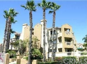 310 Lake Street, Huntington Beach CA: http://media.crmls.org/medias/ce132a1c-40f9-4a98-ab8c-dbff42a0f208.jpg