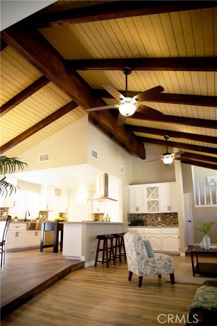 17850 Rancho Bonita, Victorville CA: http://media.crmls.org/medias/ce162c83-74ee-47d5-93aa-49d6f2b42c09.jpg