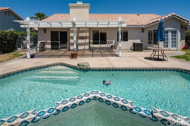 69877 Northhampton Avenue, Cathedral City CA: http://media.crmls.org/medias/ce1bc66e-a75b-411d-b095-46048c6fd39f.jpg