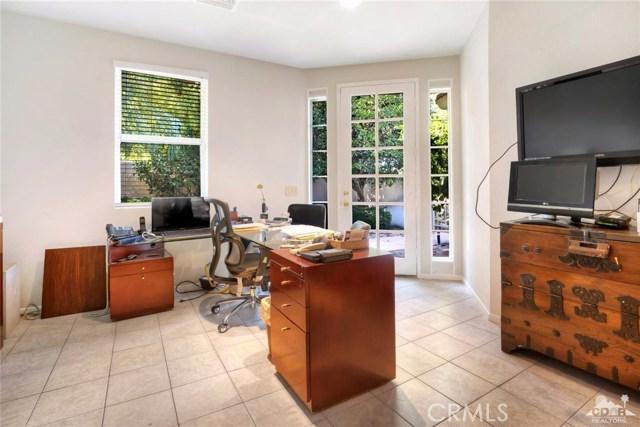 54015 Southern Hills, La Quinta CA: http://media.crmls.org/medias/ce208175-98d4-4f0d-b045-18432e97bd02.jpg