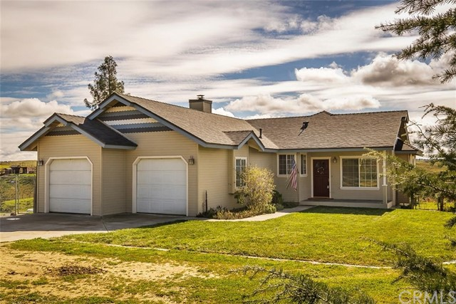 One of Paso Robles 3 Bedroom Homes for Sale at 5160  White Tail Place