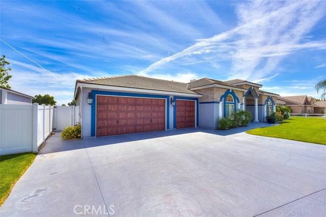 3186 Riverside Terrace, Chino CA: http://media.crmls.org/medias/ce4dd53f-d512-4038-a479-cf1d00078488.jpg