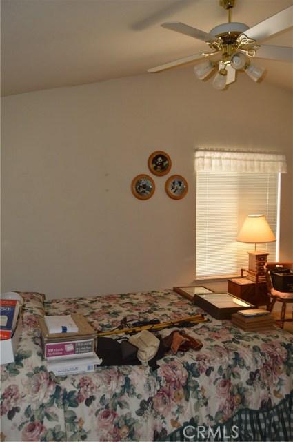 35610 Balsam Street, Wildomar CA: http://media.crmls.org/medias/ce546961-f044-4353-855d-efa4130f93ea.jpg