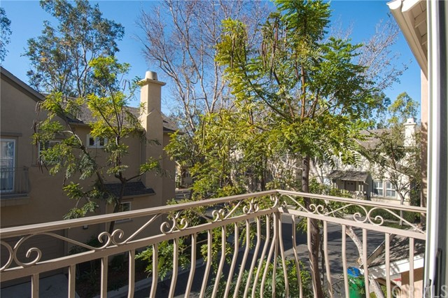 32 Burlingame, Irvine, CA 92602 Photo 5