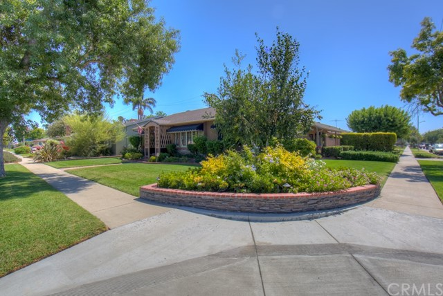 5102 E Pageantry Street, Long Beach CA: http://media.crmls.org/medias/ce56d437-67cb-4dca-af92-ec53e91b3b44.jpg