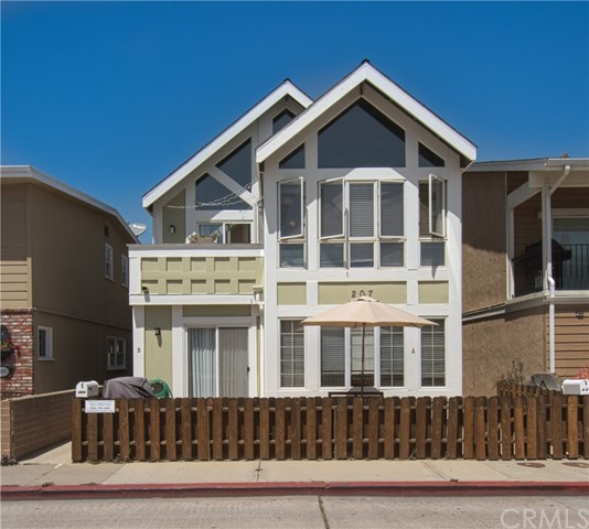 207 40th Street  Newport Beach CA 92663