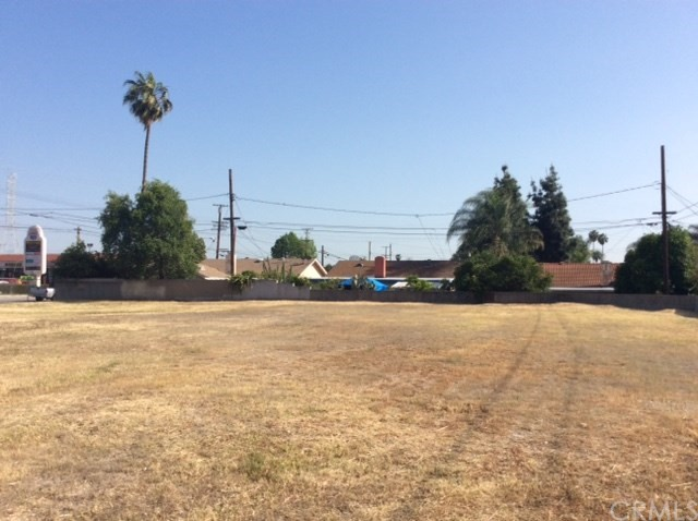 Additional photo for property listing at 890 E GLADSTONE Street  Azusa, 加利福尼亚州 91702 美国