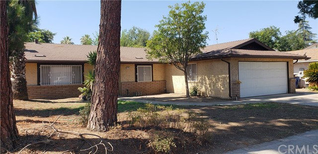 5172 E Iowa Avenue, Fresno CA: http://media.crmls.org/medias/ce784339-4b4d-4b4e-b2bf-c0c7c24572c4.jpg