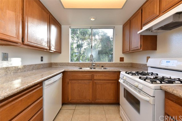 454 Monroe, Irvine, CA 92620 Photo 2