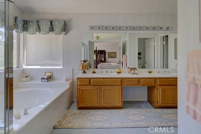 20912 MORNINGSIDE Drive, Rancho Santa Margarita CA: http://media.crmls.org/medias/ce7c662a-7a4a-4dd0-9374-1c0ae59969ce.jpg
