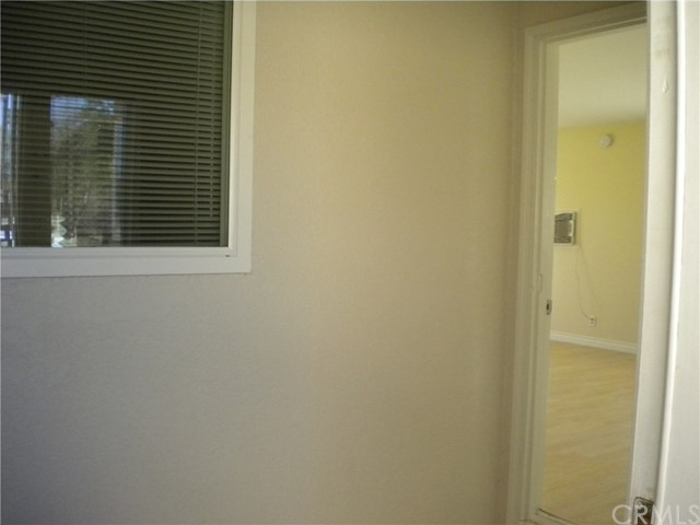 16321 Yucca Avenue, Victorville CA: http://media.crmls.org/medias/ce80de62-13fd-4c23-bd75-8b3fdb977ae9.jpg