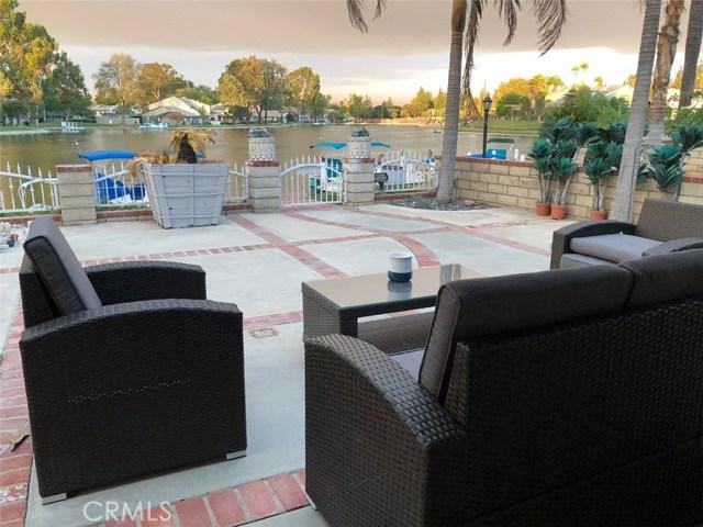 1553 Chalgrove Drive, Corona CA: http://media.crmls.org/medias/ce8fc65c-6633-42c5-992c-8948ea9b1121.jpg