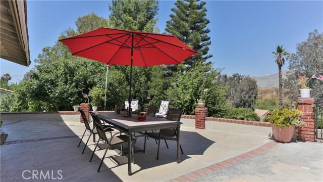 1781 Bel Air Street, Corona CA: http://media.crmls.org/medias/ce928882-a171-40c0-b5ea-97eab82ca7d0.jpg