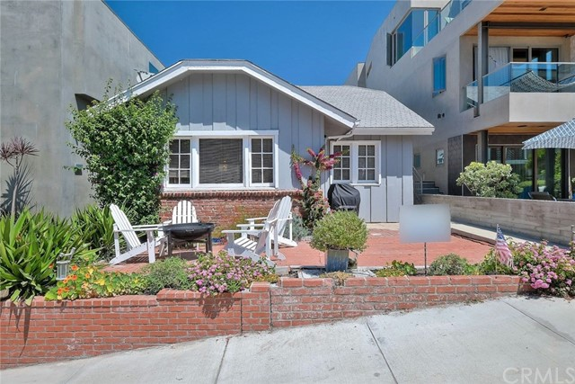 127 16th Street  Manhattan Beach CA 90266