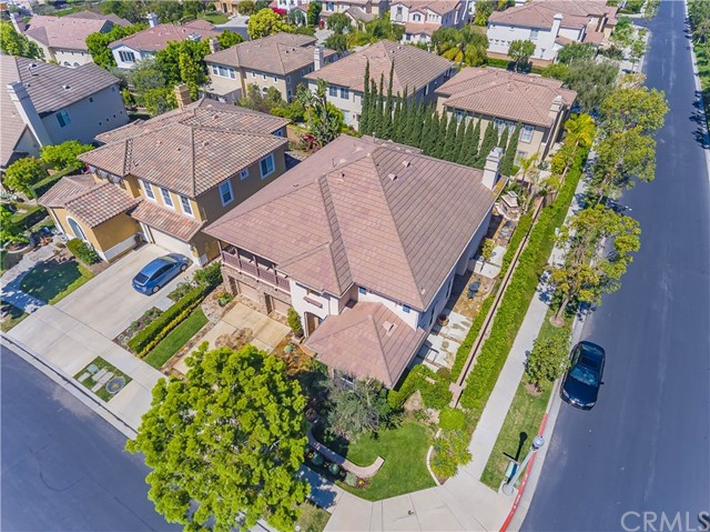 9 Dandelion, Irvine CA: http://media.crmls.org/medias/ce994ca1-de24-4b78-a095-dd98339d6068.jpg