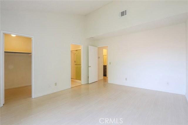 444 S Garfield Avenue, Monterey Park CA: http://media.crmls.org/medias/ce9c48e0-dbee-4101-aef6-b44b79ed070d.jpg