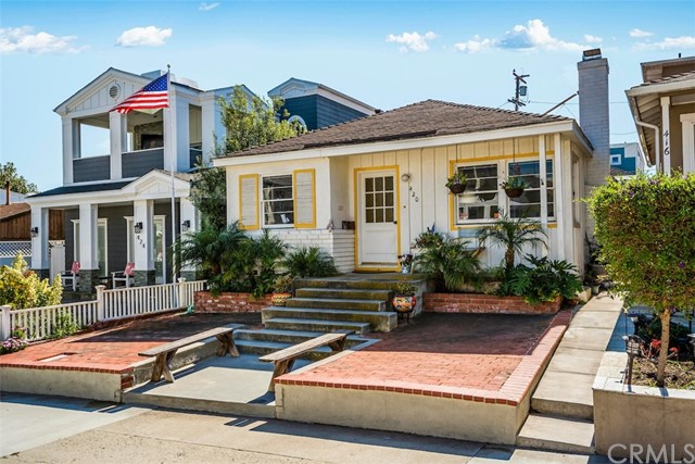420 5th Street  Manhattan Beach CA 90266