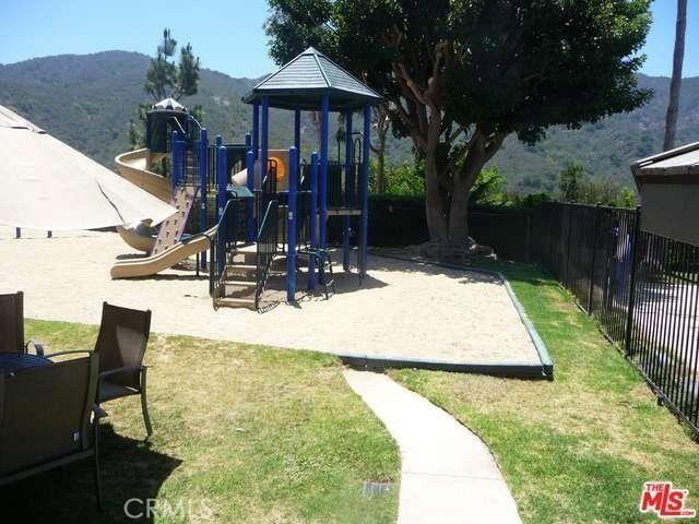 17175 Avenida De Santa Ynez, Pacific Palisades CA: http://media.crmls.org/medias/ce9f829e-b341-4057-899f-cb45d5854a9c.jpg
