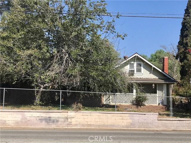 520 W Randall Avenue, Rialto CA: http://media.crmls.org/medias/cea0718c-0c8e-4830-93c5-cb8c0ae587ec.jpg