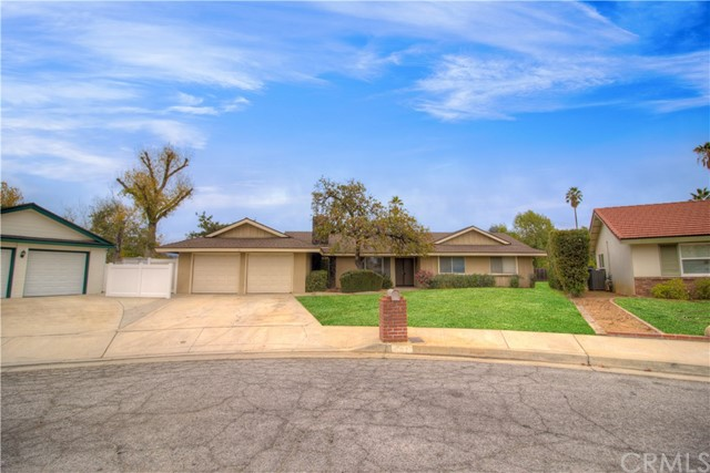 392 Los Robles ,Redlands,CA 92373, USA